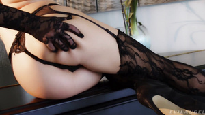 Breathtaking 18 Years Old Naomi Swann Analized