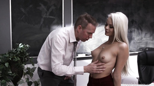 Shagging Arousing Student   Elsa Jean