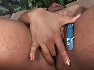 Curvy Ebony Gets Pounded And Creamed By A Black Hunk