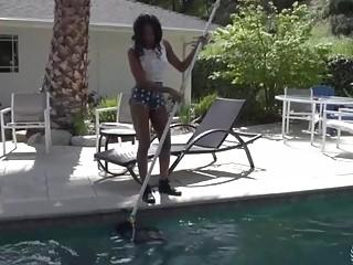 Teen Amateur Ebony Pool Girl