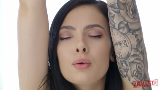 HOT YOGA GIRL MARLEY BRINX HAS HARD ANAL SEX AFTER HER WORKOUT