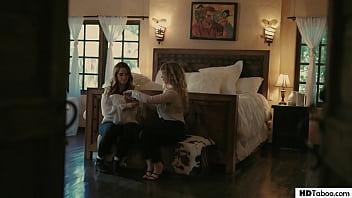Lena Paul And Lesbian Gf Siri Dahl Want To Get Impregnated!